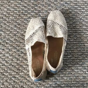 TOMS lace slip ons
